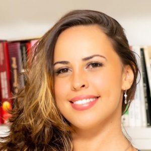 Psicóloga Deborah Aliverti Oliveira de Figueiredo